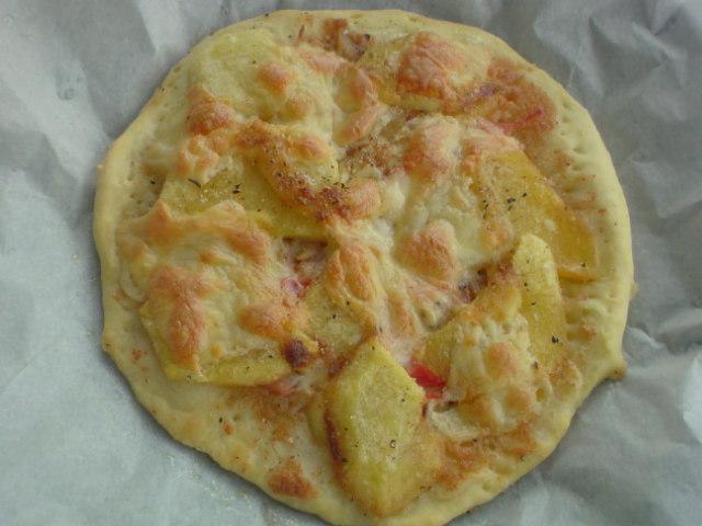 セモリナ粉でピザ